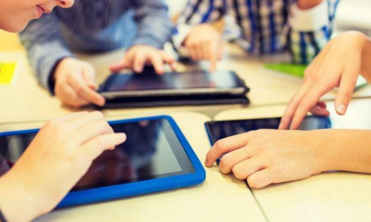 191.000 de tablete gratuite pentru elevi