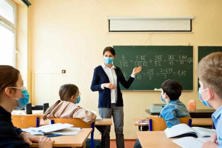 Salariile profesorilor din România printre cele mai mici din Europa